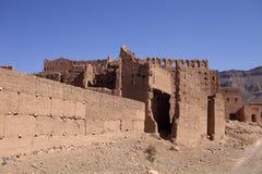 Mycket populära filmskapare som rekonstruerar kasbahen Ait - Benhaddou, Marocko Arkivbilder