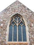 Mycket - sikt av den kyrkliga väggen för fönster utifrån Royaltyfri Foto
