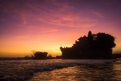 mycket solnedgångtanah arkivfoto