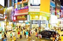 Myeong-Dong adatta il distretto alla notte, Seoul Fotografie Stock Libere da Diritti