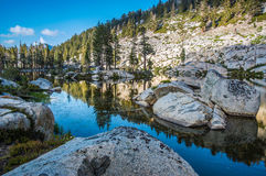 Mygga Lakes, Sequoianationalpark arkivbild