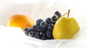 Myjąca owoc, pomarańcze, winogrona, bonkreta Zdjęcia Royalty Free