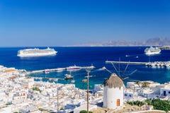 Mykonos port från över Arkivbild