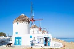 Mykonoswindmolens, Griekenland stock afbeelding