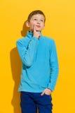 Myśląca chłopiec Obraz Royalty Free