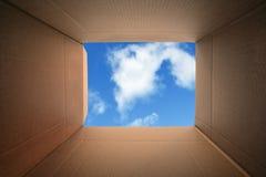 Myśleć na zewnątrz pudełka Obrazy Royalty Free