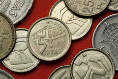 Mynt av Spanien Asturian spannmålsmagasinhorreo royaltyfri foto