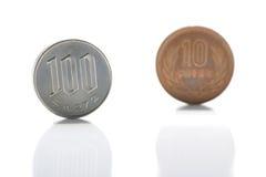 Mynt för japansk yen på vit Fotografering för Bildbyråer