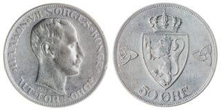50 mynt för malm som 1914 isoleras på vit bakgrund, Norge Fotografering för Bildbyråer
