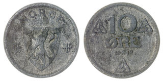10 mynt för malm som 1942 isoleras på vit bakgrund, Norge Arkivfoto