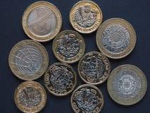mynt för pund 2, Förenade kungariket Arkivbilder