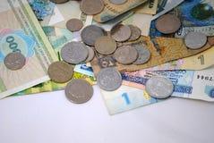Mynt och sedlar av olika länder Royaltyfri Bild