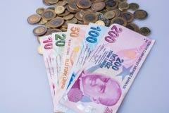 Mynt och sedlar för turkisk Lira sid - förbi - sidan Arkivfoto