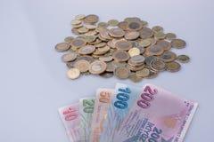 Mynt och sedlar för turkisk Lira sid - förbi - sidan Royaltyfria Bilder