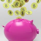 Myntar den skrivande in besparingen för Piggybank Showspengar Arkivbild