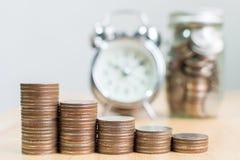 Myntbuntmoment som upp till växer finansiell affär för framgång med cl Royaltyfri Fotografi