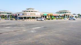 Myomamarknad, Nay Pyi Taw, Myanmar Feb-2018 Ta fotoet på dagen royaltyfri foto