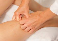 Myotherapy e punti di innesco sul piede dell'atleta Fotografie Stock Libere da Diritti