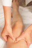 Myotherapy e punti di innesco sul piede dell'atleta Immagini Stock Libere da Diritti