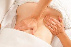 Myotherapy e punti di innesco sulla parte posteriore dell'atleta Immagine Stock Libera da Diritti