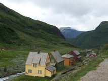 MYRDAL, NOORWEGEN - juli 18 2007 Weergeven over Myrdal-dorp op de verbinding van spoorweg olso-Bergen en spectaculaire Flamsbana royalty-vrije stock afbeelding