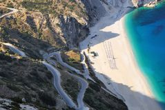 Myrthos海滩看法从Kefalonia海岛的 免版税库存照片