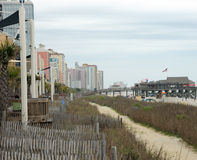 Myrtle Beach SC, USA 4/28/2013: Hotell och strand Royaltyfria Bilder