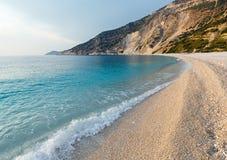 Myrtos海滩(希腊、Kefalonia,爱奥尼亚海) 免版税库存图片