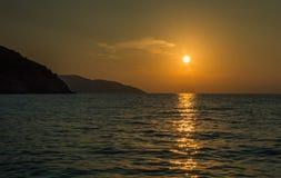 Myrtos plaży Suset Ionian wyspy Zdjęcie Stock