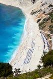 Myrtos strand, Grekland Royaltyfria Bilder