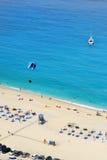 Myrtos strand, Grekland Arkivfoton