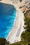 Myrtos strand, Grekland Arkivfoto