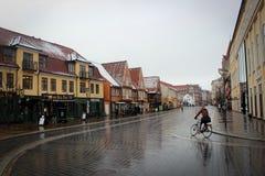 Mysiga gator av Aalborg, Danmark Arkivbilder
