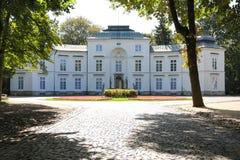 Myslewicki slott. Warsaw. Polen. Arkivbild