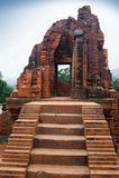 MySon świątynne czerwone cegły w chmurnym pogodowym Wietnam Zdjęcia Royalty Free