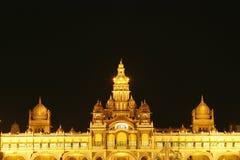 Mysore-Palast nachts Stockfotografie