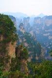 Mysteriöser Berg Zhangjiajie. Stockfotografie