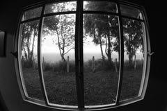 Mysteriöses Fenster lizenzfreies stockfoto