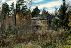 Mysterious abandoned wooden house Royalty Free Stock Photography