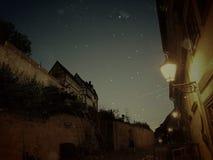 Mysticus Oude Stad bij Nacht royalty-vrije stock afbeelding