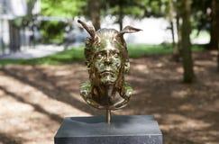 Mystische Skulpturen durch Jan Fabre unter dem Namen KAPITEL I - XVIII Park De Hoge Veluwe Otterlo netherlands stockfotografie