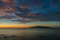 Mystisk ö Vietnam för soluppgång Arkivbilder