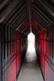 Mystisk fängelsehålatunnel Royaltyfri Bild