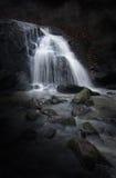 mystisk vattenfall Arkivfoto