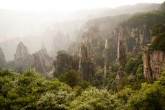Mystiska berg Zhangjiajie, HUnan landskap i Kina Royaltyfria Foton