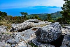 Mystiska gravar i Sendoukia, Skopelos Arkivfoto