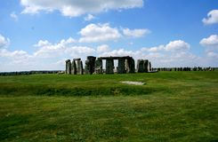 Mystiska Stonehenge i England royaltyfria foton