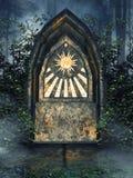 Mystiskt altare med murgrönan Arkivfoto