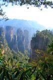 Mystiskt berg Zhangjiajie. Arkivfoto