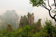 Mystiskt berg Zhangjiajie. Arkivfoton